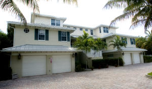 Townhouse for Sale at 481 Olympus Drive 481 Olympus Drive Juno Beach, Florida 33408 United States