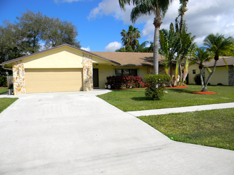 7505 Woodland Creek Lane Lake Worth, FL 33467