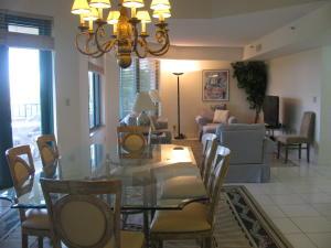 شقة بعمارة للـ Rent في 100 SE 5th Avenue 100 SE 5th Avenue Boca Raton, Florida 33432 United States