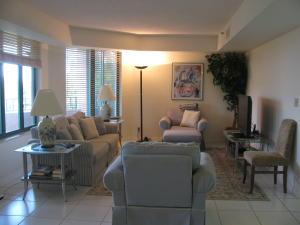 Additional photo for property listing at 100 SE 5th Avenue 100 SE 5th Avenue Boca Raton, Florida 33432 United States