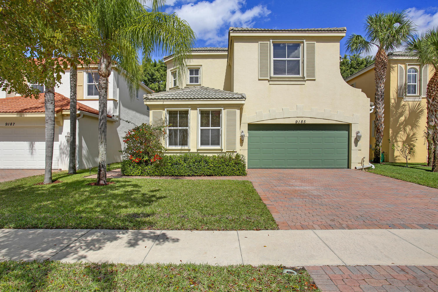 9185 Dupont Place Wellington, FL 33414