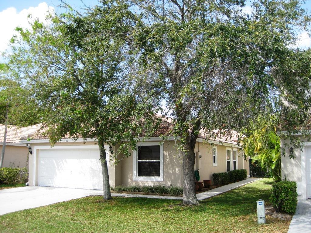 6108 Willoughby Circle Lake Worth, FL 33463
