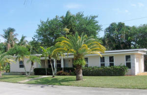 Single Family Home for Rent at 1001 S Lakeside Drive 1001 S Lakeside Drive Lake Worth, Florida 33460 United States