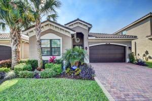 独户住宅 为 销售 在 14597 White Jade Terrace 14597 White Jade Terrace 德尔雷比奇海滩, 佛罗里达州 33446 美国