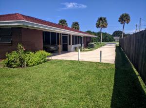 Apartamentos multi-familiares para Venda às 4901 Oleander Avenue 4901 Oleander Avenue Fort Pierce, Florida 34982 Estados Unidos