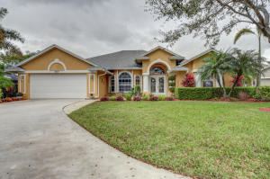 Sawgrass Lakes, Panther Trace