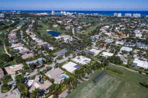 Oversized golf course lot with south exposure in Royal Palm Yacht & Country Club, with 3 bedrooms + den, and 3 bathrooms. Two car garage is air conditioned. Perfect opportunity to renovate or build your dream home and live in one of the most sought after communities in Boca Raton! Located in close proximity to the Boca Resort, Downtown Mizner, Royal Palm Place and more!