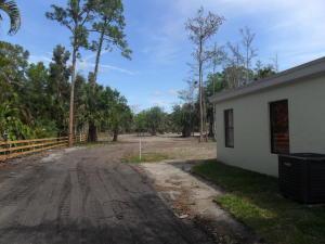 Casa Unifamiliar por un Alquiler en 2370 C Road Loxahatchee Groves, Florida 33470 Estados Unidos