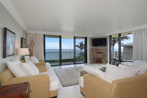 Condominium for Rent at 3951 N Ocean Boulevard 3951 N Ocean Boulevard Gulf Stream, Florida 33483 United States