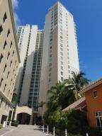 共管式独立产权公寓 为 出租 在 3330 NE 190th Street Aventura, 佛罗里达州 33180 美国