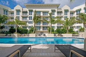 Additional photo for property listing at 480 Hibiscus Street 480 Hibiscus Street West Palm Beach, Florida 33401 États-Unis