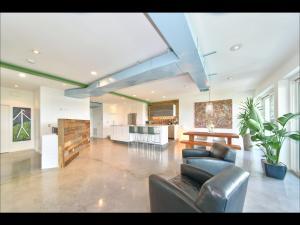 Condomínio para Venda às 2275 S Ocean Boulevard 2275 S Ocean Boulevard Palm Beach, Florida 33480 Estados Unidos