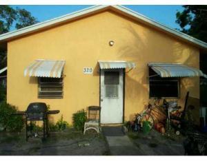 Einfamilienhaus für Mieten beim 320 SW 4th Avenue 320 SW 4th Avenue Delray Beach, Florida 33444 Vereinigte Staaten