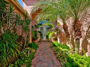 Einfamilienhaus für Verkauf beim 7317 Carmela Way 7317 Carmela Way Delray Beach, Florida 33446 Vereinigte Staaten