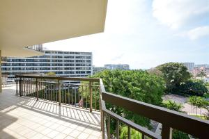 Additional photo for property listing at 901 E Camino Real 901 E Camino Real Boca Raton, Florida 33432 Vereinigte Staaten