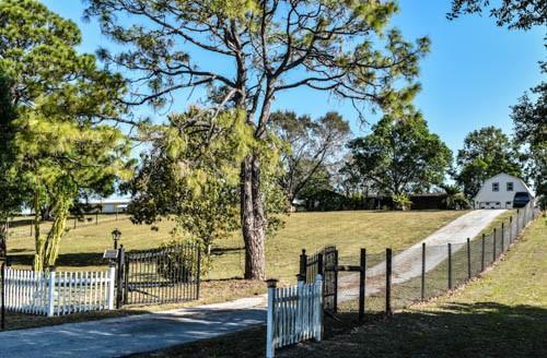 Home for sale in Hilo Acres Okeechobee Florida