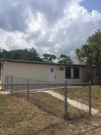 Casa Unifamiliar por un Alquiler en 3219 Duban Terrace 3219 Duban Terrace Fort Pierce, Florida 34950 Estados Unidos