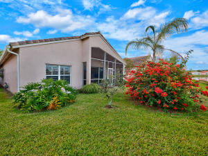Additional photo for property listing at 392 NW Breezy Point Loop 392 NW Breezy Point Loop Port St. Lucie, Florida 34986 United States