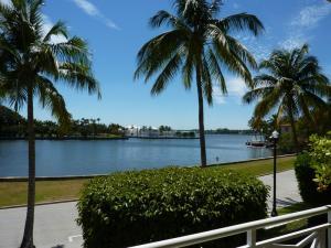 Condomínio para Venda às 425 Worth Avenue 425 Worth Avenue Palm Beach, Florida 33480 Estados Unidos