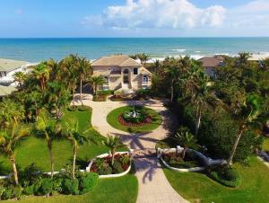 Einfamilienhaus für Verkauf beim 12440 Highway A1a Vero Beach, Florida 32963 Vereinigte Staaten