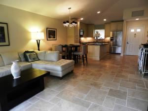 Additional photo for property listing at 711 Club Drive 711 Club Drive Palm Beach Gardens, Florida 33418 États-Unis