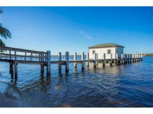 Land for Sale at 15 S River Road Sewalls Point, Florida 34996 United States