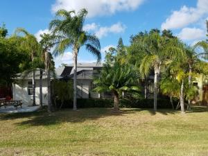 Additional photo for property listing at 759 SW Alton Circle 759 SW Alton Circle Port St. Lucie, Florida 34953 Estados Unidos