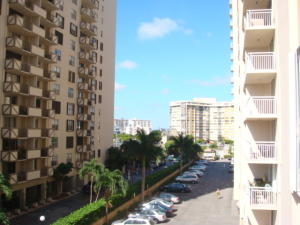 Single Family Home for Rent at 1849 S Ocean Drive Hallandale Beach, Florida 33009 United States
