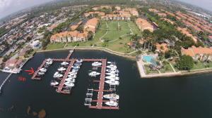 Yacht Club On The Intracoastal Condo