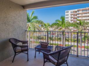 Condominium for Rent at Villa Pisani, 445 SE 21st Avenue 445 SE 21st Avenue Deerfield Beach, Florida 33441 United States