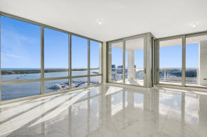 Additional photo for property listing at 2 Water Club Way 2 Water Club Way North Palm Beach, Florida 33408 États-Unis