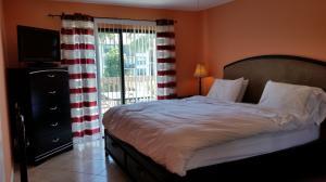 Additional photo for property listing at 612 Executive Center Drive 612 Executive Center Drive West Palm Beach, Florida 33401 Estados Unidos