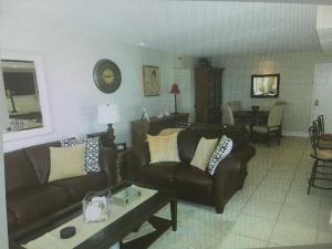 Additional photo for property listing at 4511 S Ocean Boulevard 4511 S Ocean Boulevard Highland Beach, Florida 33487 United States