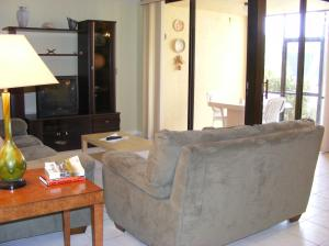 Additional photo for property listing at 500 Egret Circle 500 Egret Circle Delray Beach, Florida 33444 United States
