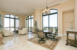 شقة بعمارة للـ Rent في 701 S Olive Avenue 701 S Olive Avenue West Palm Beach, Florida 33401 United States