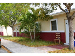 Property for sale at 1801 Douglas Street, Lake Worth,  FL 33460