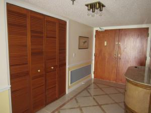 Additional photo for property listing at 9960 S Ocean S Drive 9960 S Ocean S Drive Fort Pierce, Florida 34950 États-Unis