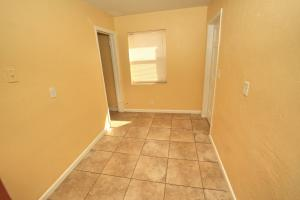 Additional photo for property listing at 4416 Greenwood Avenue 4416 Greenwood Avenue West Palm Beach, Florida 33407 United States