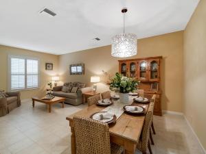 437 WOODVIEW CIRCLE, PALM BEACH GARDENS, FL 33418  Photo
