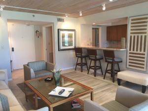 Condominium for Rent at MIZNER VILLAGE, 140 SE 5th Avenue 140 SE 5th Avenue Boca Raton, Florida 33432 United States