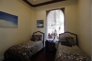 Additional photo for property listing at 213 Via Emilia 213 Via Emilia Palm Beach Gardens, Florida 33418 United States