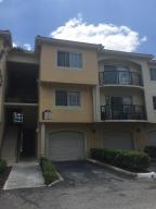 Condomínio para Locação às 300 N Crestwood Court 300 N Crestwood Court Royal Palm Beach, Florida 33411 Estados Unidos