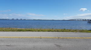 Land for Sale at 4080 NE Indian River Drive 4080 NE Indian River Drive Jensen Beach, Florida 34957 United States