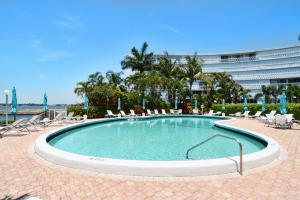 Additional photo for property listing at 2505 S Ocean Boulevard 2505 S Ocean Boulevard Palm Beach, Florida 33480 United States