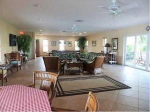 Additional photo for property listing at 5510 N Ocean Boulevard 5510 N Ocean Boulevard Ocean Ridge, Florida 33435 United States
