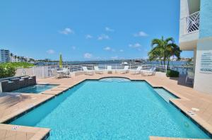Additional photo for property listing at 309 E Ocean Avenue 309 E Ocean Avenue Lantana, Florida 33462 United States