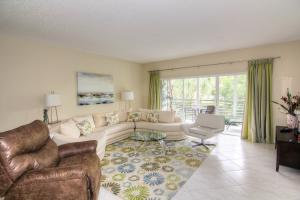 Condominium for Rent at 6253 Graycliff Drive 6253 Graycliff Drive Boca Raton, Florida 33496 United States