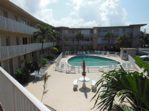Additional photo for property listing at 3600 N Ocean Drive 3600 N Ocean Drive Riviera Beach, Florida 33404 Estados Unidos