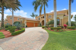 واحد منزل الأسرة للـ Sale في 238 SW Palm Cove Drive Palm City, Florida 34990 United States