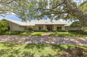 Single Family Home for Sale at 6273 SE Canterbury Lane Stuart, Florida 34997 United States